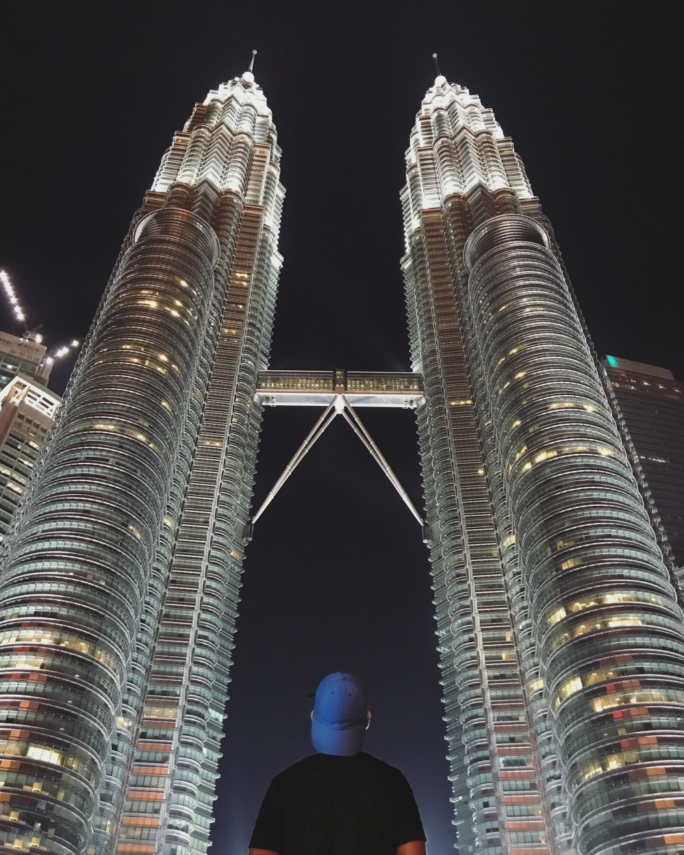 Awed by the amazing Petronas Twiin Towers