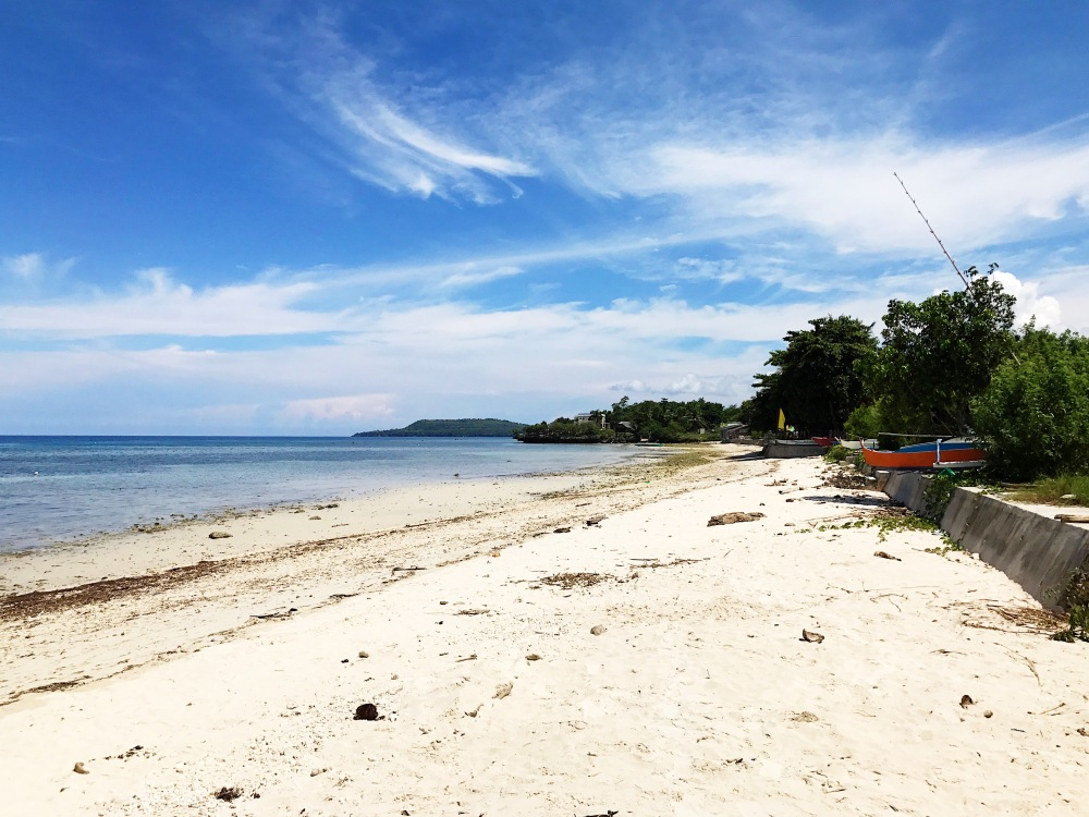 The beach at the back of Pan Bisaya