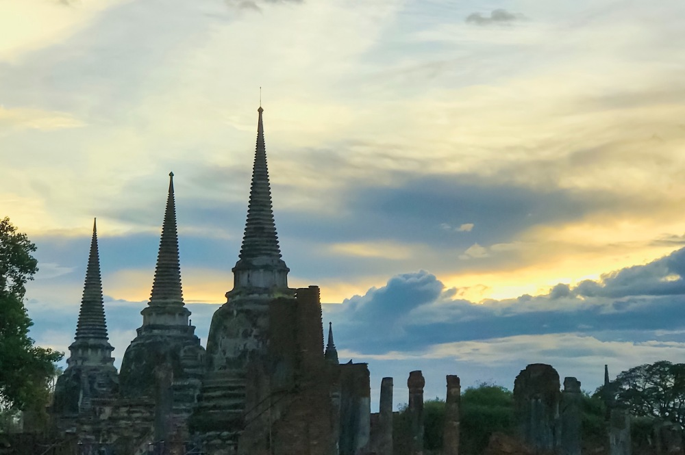 Sunset in Wat Phra Si Sanphet.