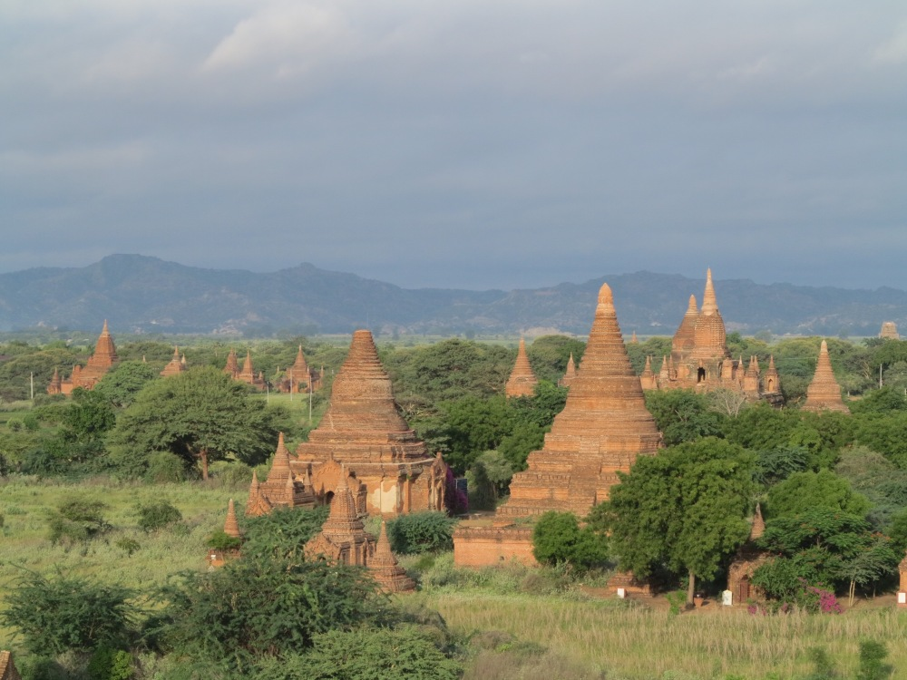 BAGAN: Ancient city with a thousand temples