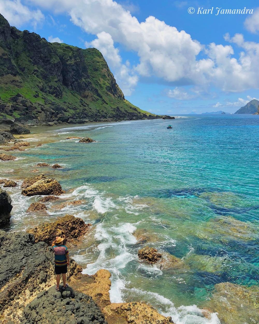 MAVULIS ISLAND'S C:EAR WATERS